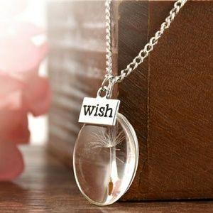 NWOT Dandelion Wish Necklace